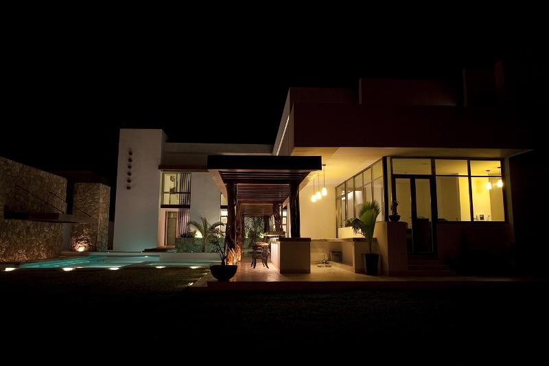Casa Los Troncos - Punto Arquitectónico
